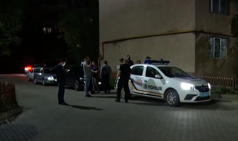 Стрілянина поблизу дитячого майданчика у Мукачеві: подробиці