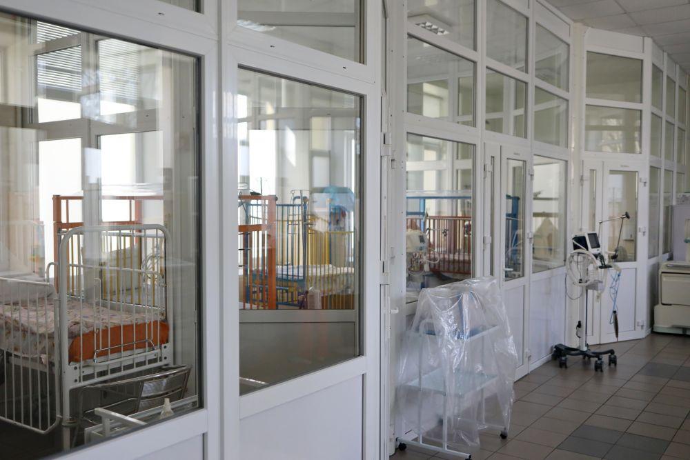Палати перевантажені, а кількість хворих щодня зростає: про ситуацію із коронавірусом у Мукачеві