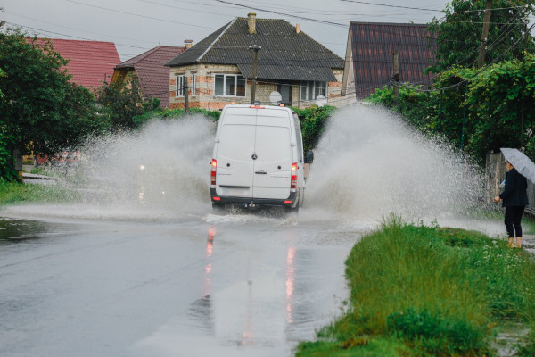Сильна злива: на Іршавщині підтопило село