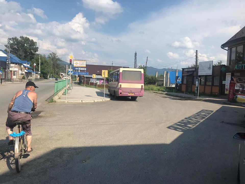 На Закарпатті, попри заборону, курсував рейсовий автобус