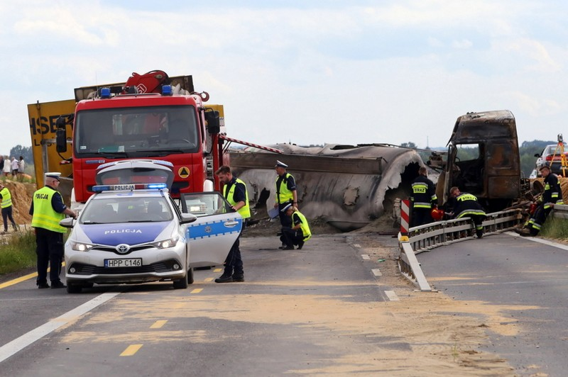 Українські заробітчани потрапили у страшну ДТП біля міста Богуславіце в Польщі. Оприлюднено відео з місця аварії