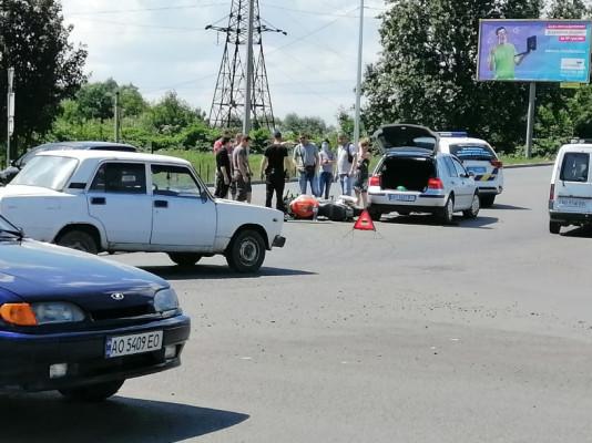 У Мукачеві сталась аварія: рух ускладнено