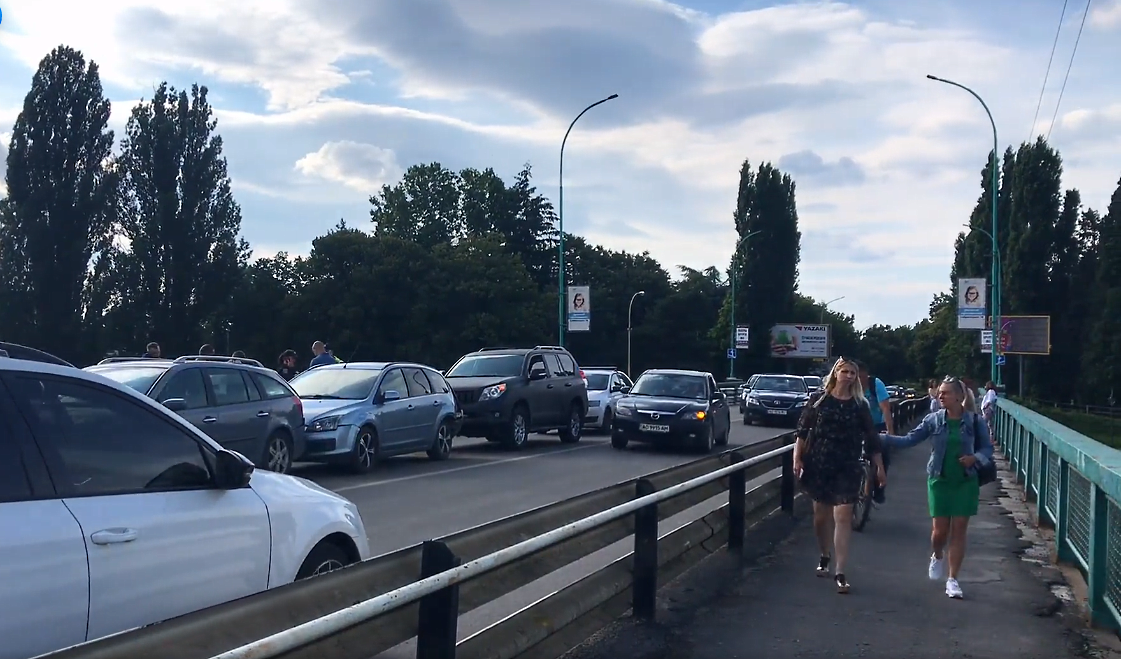 Потрійна аварія в Ужгороді: відео з місця події
