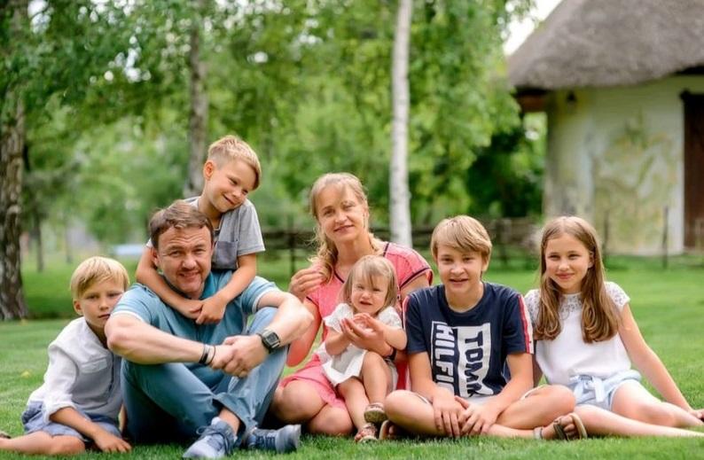 П'ятеро дітей: очільник області показав свою сім'ю