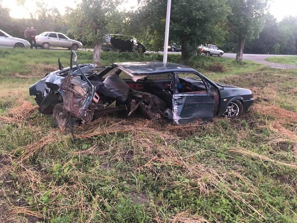 Автомобіль розірвало: область облетіли фото шокуючої ДТП