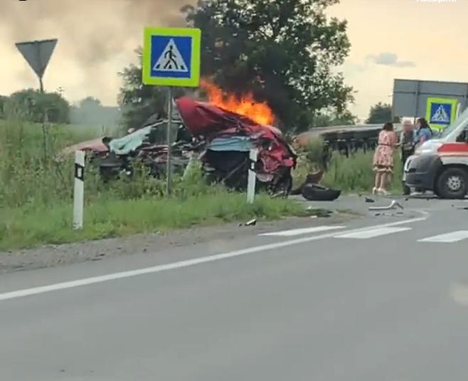 Моторошна ДТП поблизу Ракошина: з'явилося відео з місця трагедії
