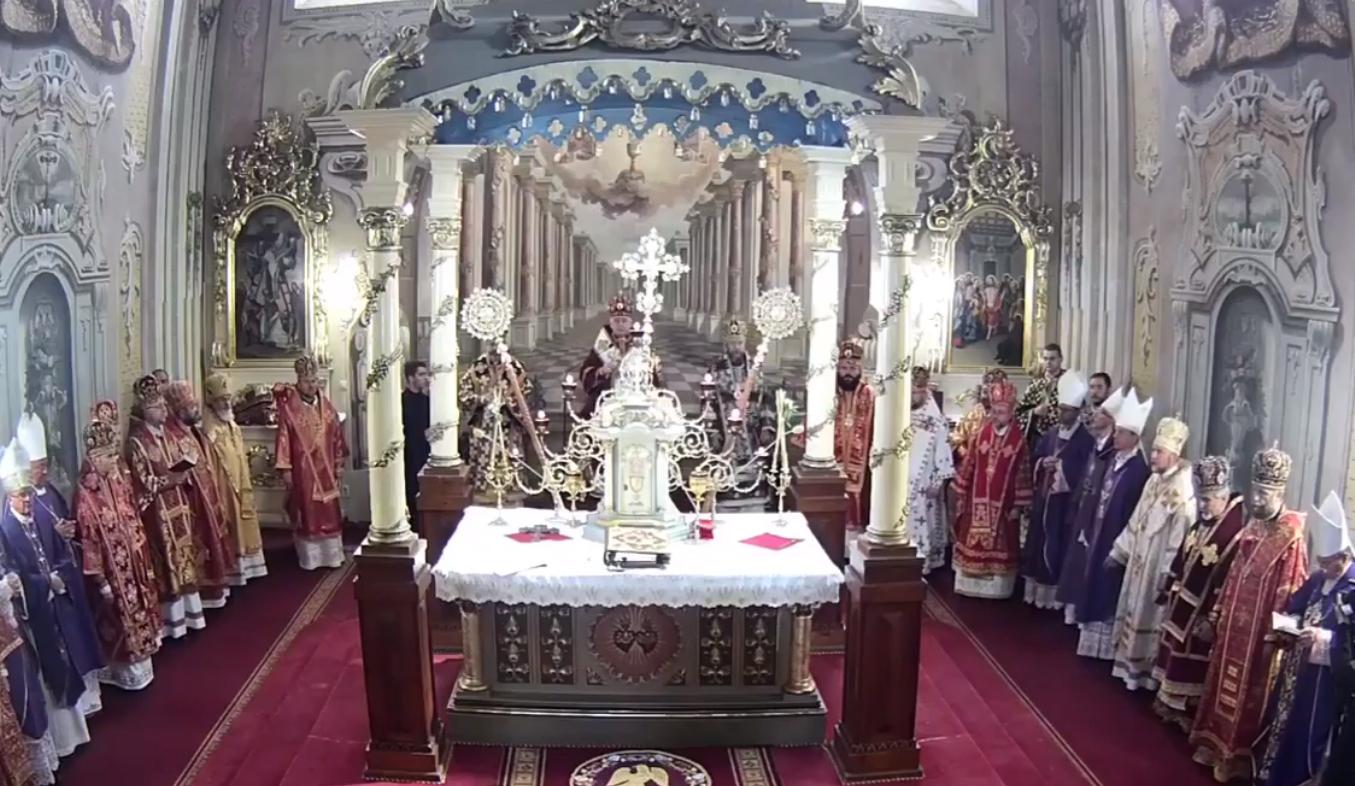 Закарпаття прощається з єпископом Мукачівської греко-католицької церкви Міланом Шашіком
