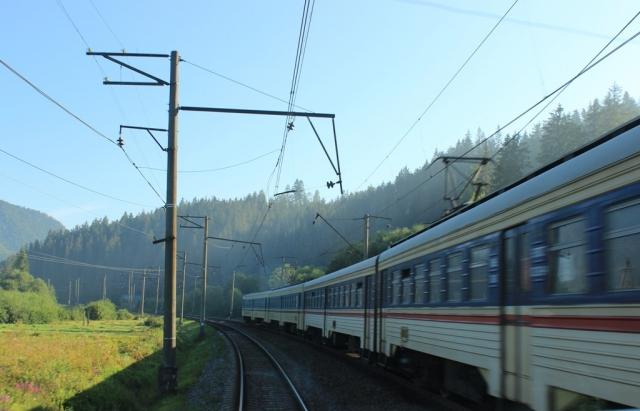 Укрзалізниця відновлює курсування 46 поїздів у приміському сполученні