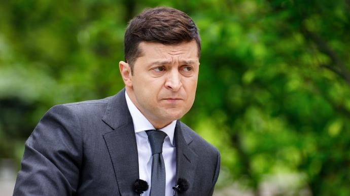 Рейтинг президента Зеленського знизився до рівня першого туру минулорічних виборів