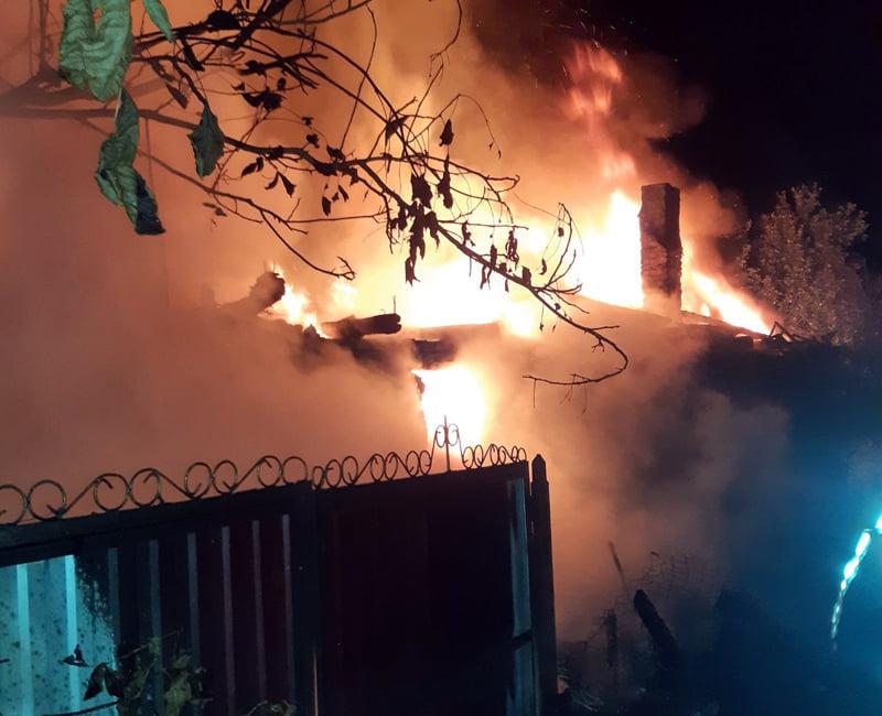 Поки власників не було вдома, повністю згорів їх будинок