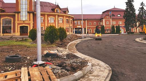 При ремонті площ Ужгорода завдано збитків на понад 2 мільйони
