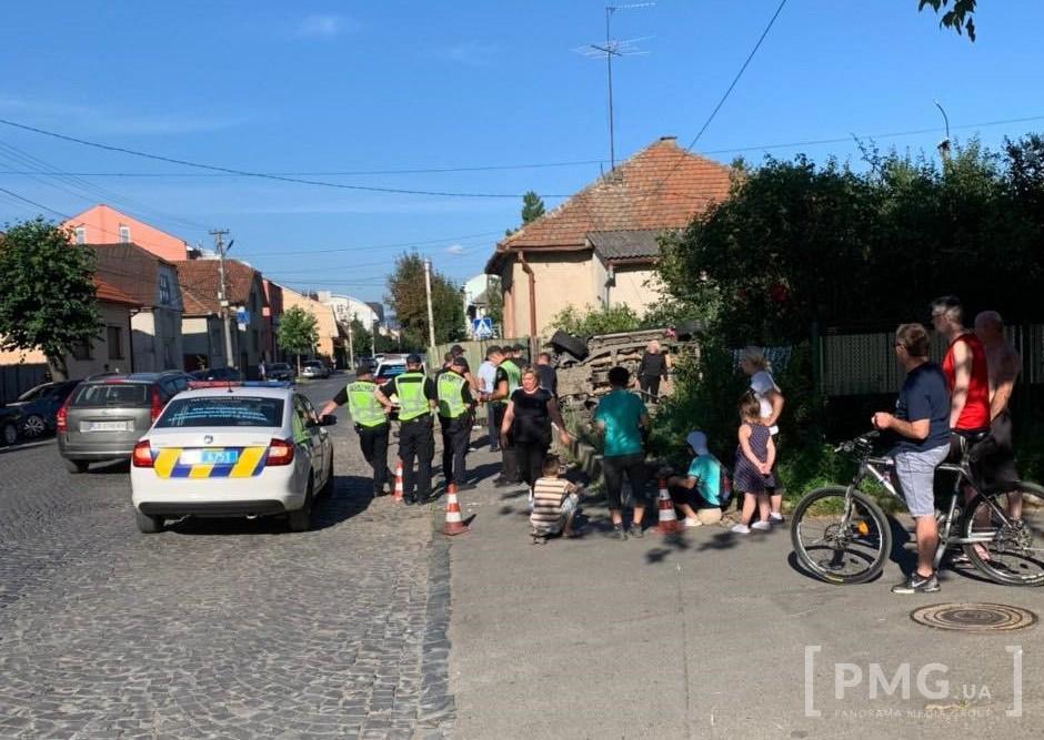 Карколомну ДТП у Мукачеві зафіксувала камера спостереження