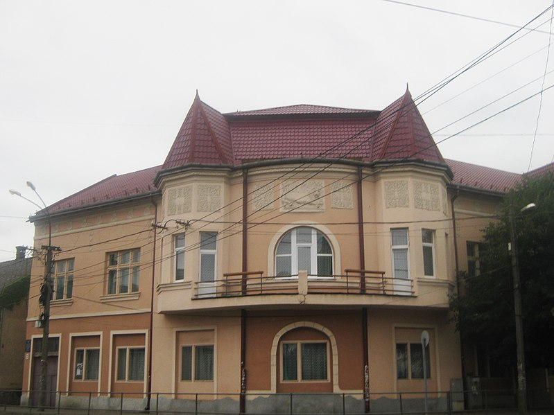 У Мукачеві на конкурсі обрали нового директора дитячої школи мистецтв ім. С.Мартона