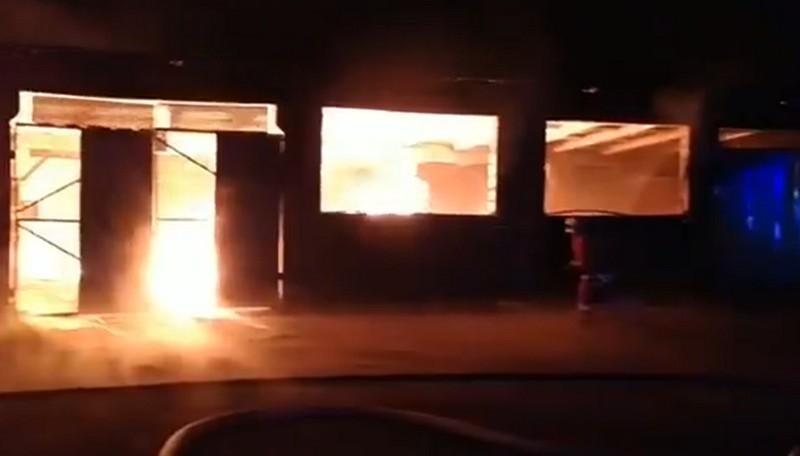 Масштабна пожежа у Хусті: рятувальники опублікували відео