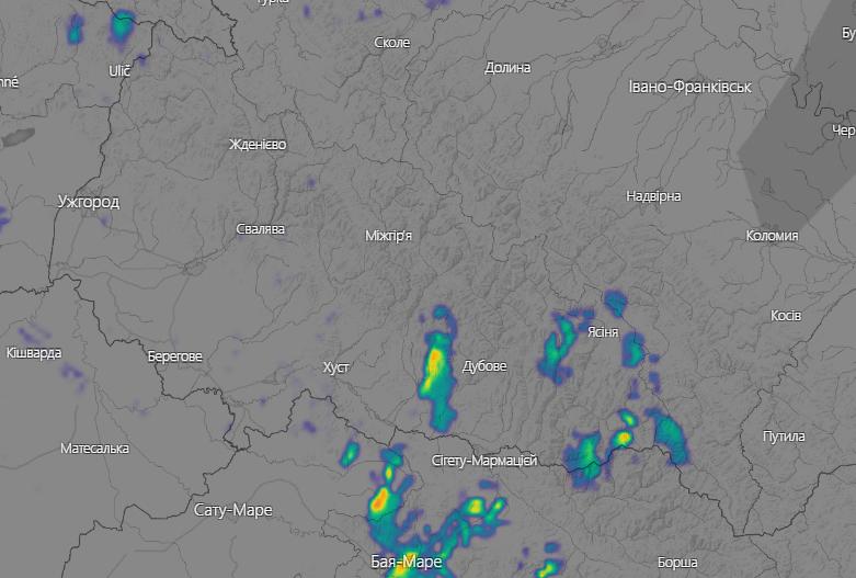 Жителів східної частини Закарпаття попереджають про сильні дощі