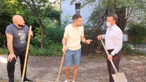 """Голова Закарпатської ОДА знявся у кумедному відео """"Нашої Файти"""""""