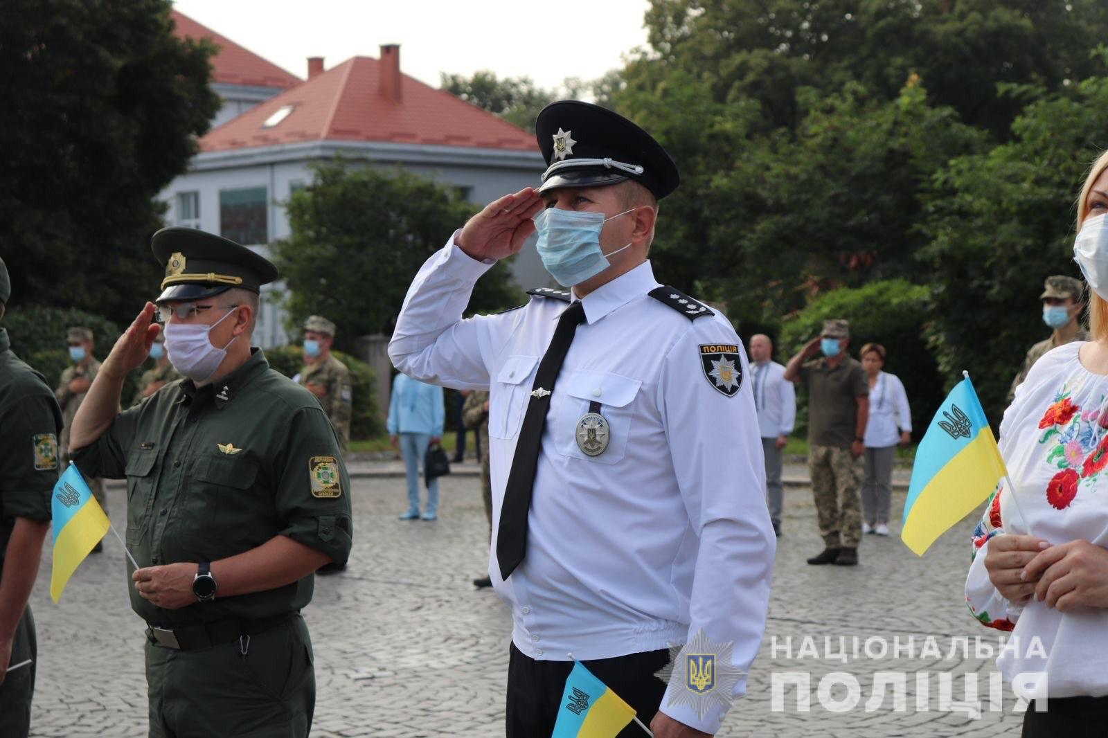 Поліція Закарпаття долучилась до урочистостей з нагоди державних свят