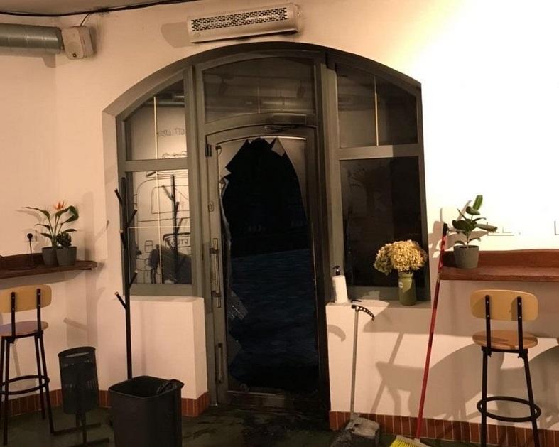 Пожежа у мукачівському кафе: власниця закладу розповіла про підпал