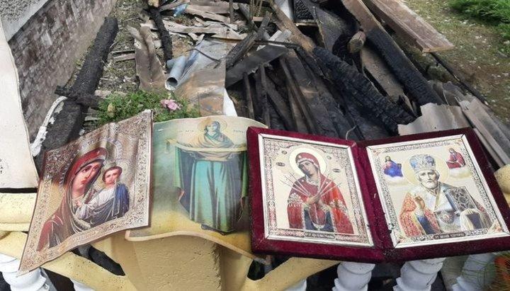 Диво під час пожежі в Мукачеві: згорів весь будинок, але ікони та великодній кошик вціліли