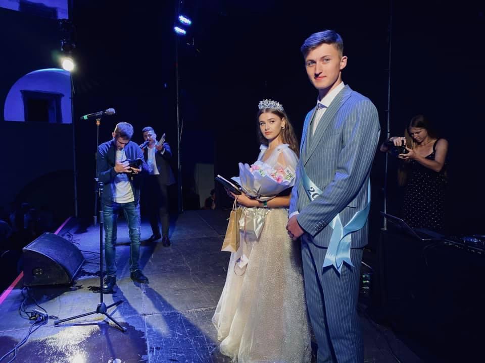 Визначено короля та королеву балу випускників у Мукачеві