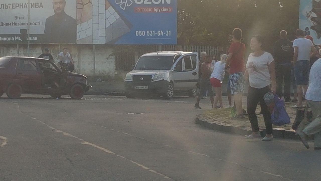 В Ужгороді трапилась ДТП за участі двох автомобілів