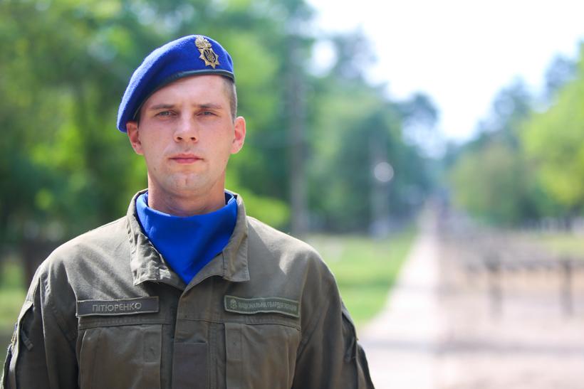 В Ужгороді курсант врятував чоловіка, який тонув в озері