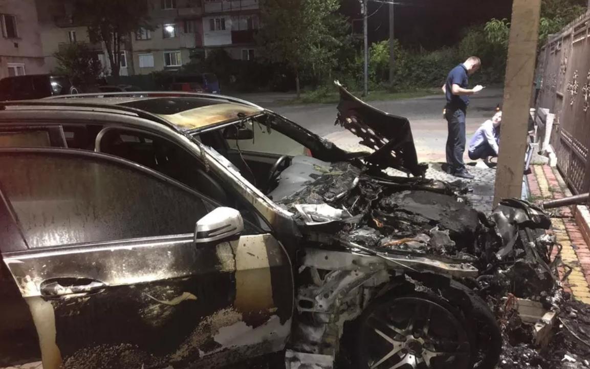 Авто лідера єврейської громади в області могли підпалити: поліція відкрила кримінальне провадження