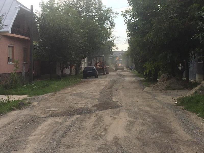 У Мукачеві заасфальтують одну з вулиць