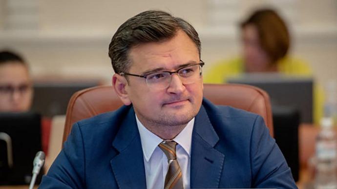 """Від чого залежить """"глобальне потепління"""" у відносинах з Угорщиною: відповідь міністра Кулеби"""