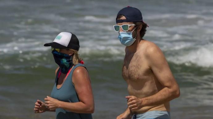 Туреччина посилила карантин: змушують носити маски на пляжах