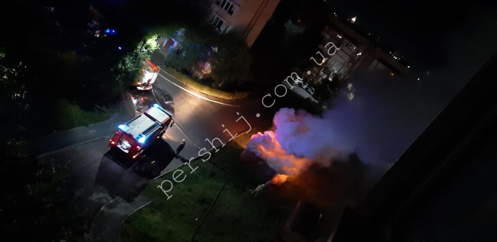 У Мукачеві вночі вирувала пожежа