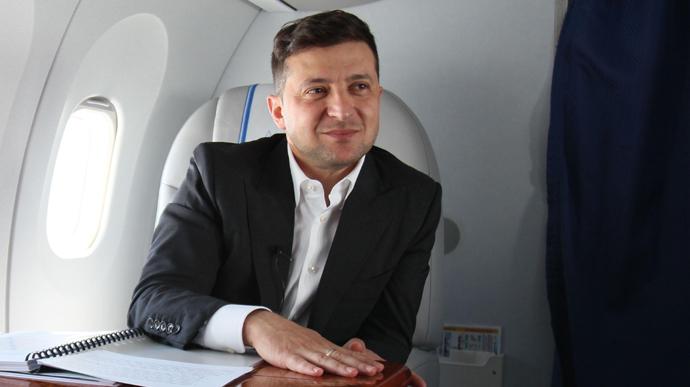 Роботою Володимира Зеленського не задоволені понад 50% українців