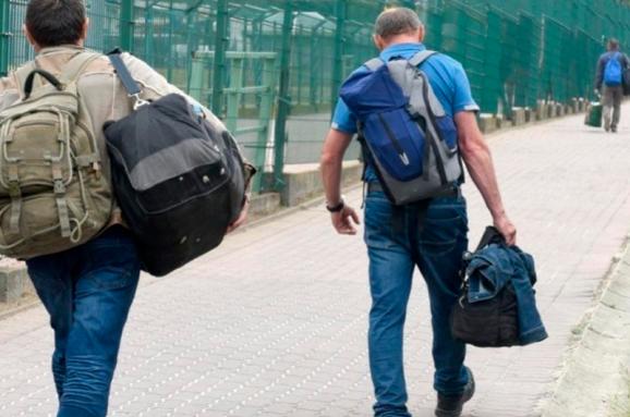 В одній із країн ЄС почали масово затримувати заробітчан з України