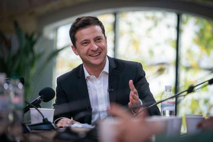 Які зарплати у президента України, прем'єра і міністрів: озвучено суми