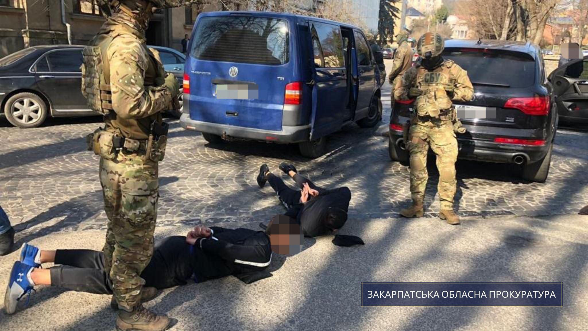 Суд відправив фігурантів злочинного угруповання з Мукачева за ґрати