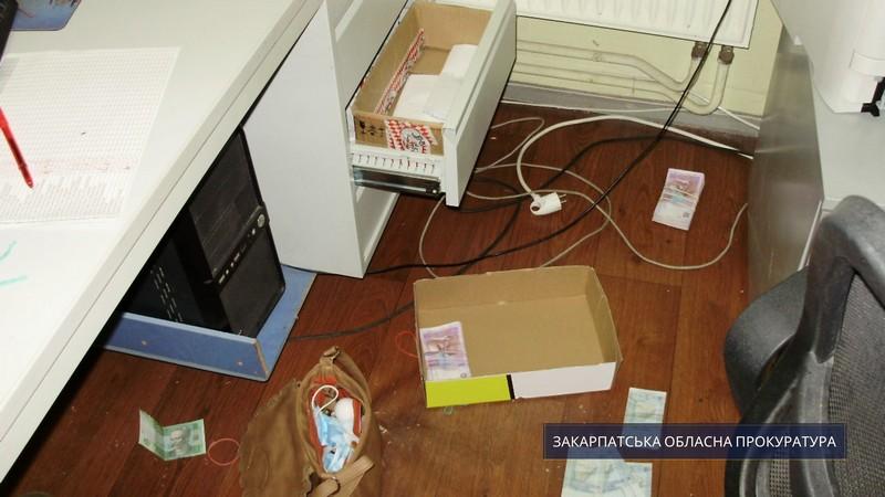 Розбій на пів мільйона у Мукачеві: одному зі зловмисників повідомили про підозру