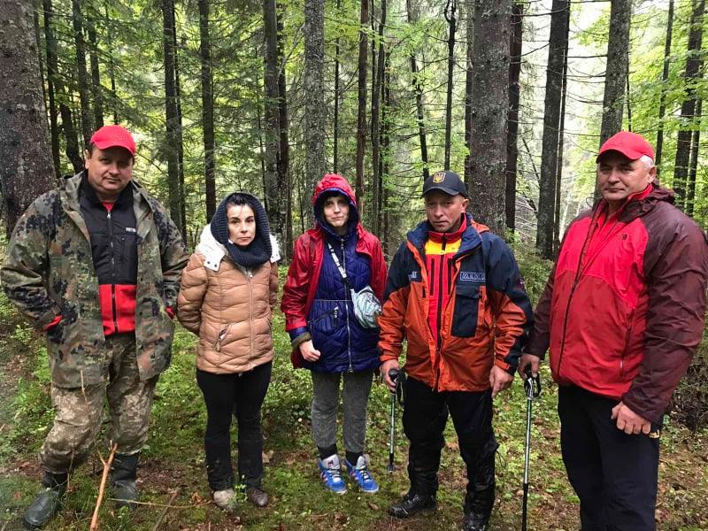 Рятувальники знайшли жінок, які заблукали у лісі