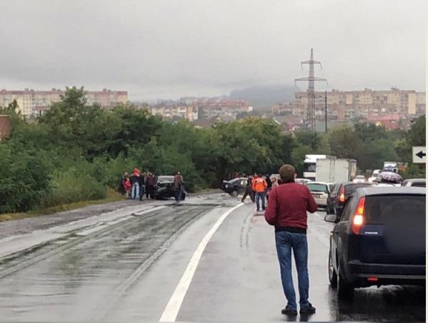 Неподалік Мукачева сталася масштабна аварія, — ЗМІ