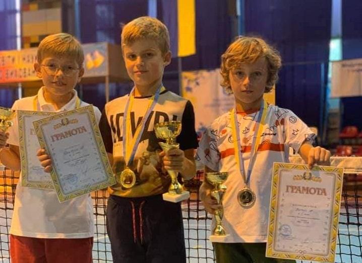 Мукачівці привезли нагороди із тенісного турніру, який проходив в Ужгороді