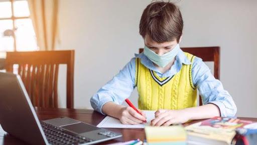 Рекордна кількість українських школярів перебуває на самоізоляції