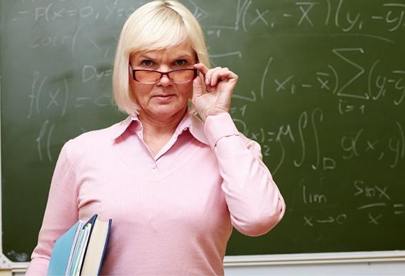Уряд переніс підвищення зарплат вчителям