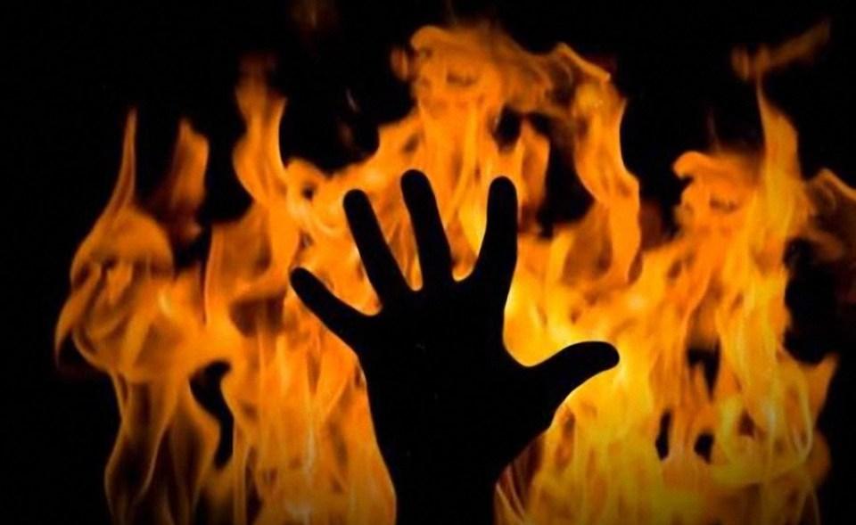 Закарпатець намагався покінчити з життям та підпалив себе