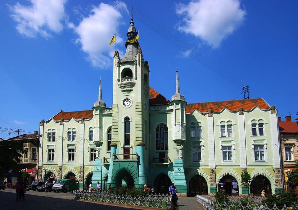 В одній із шкіл Мукачева стався нещасний випадок