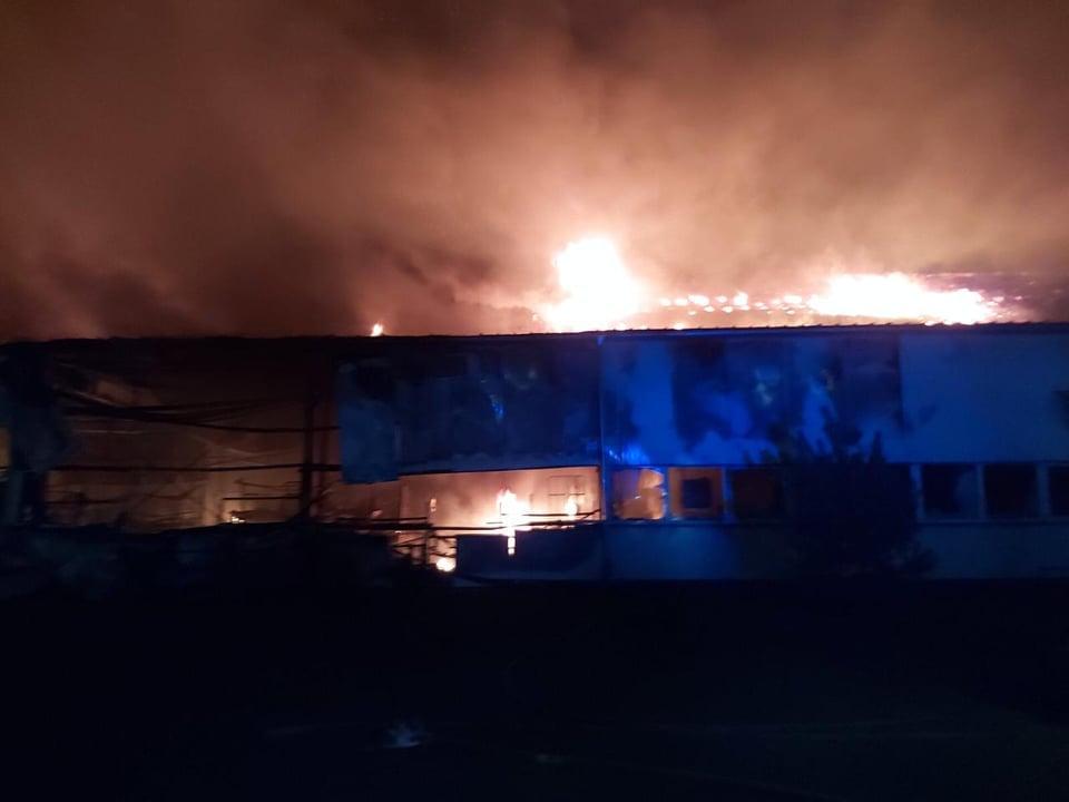 Опубліковано відео страхітливої пожежі в Мукачеві