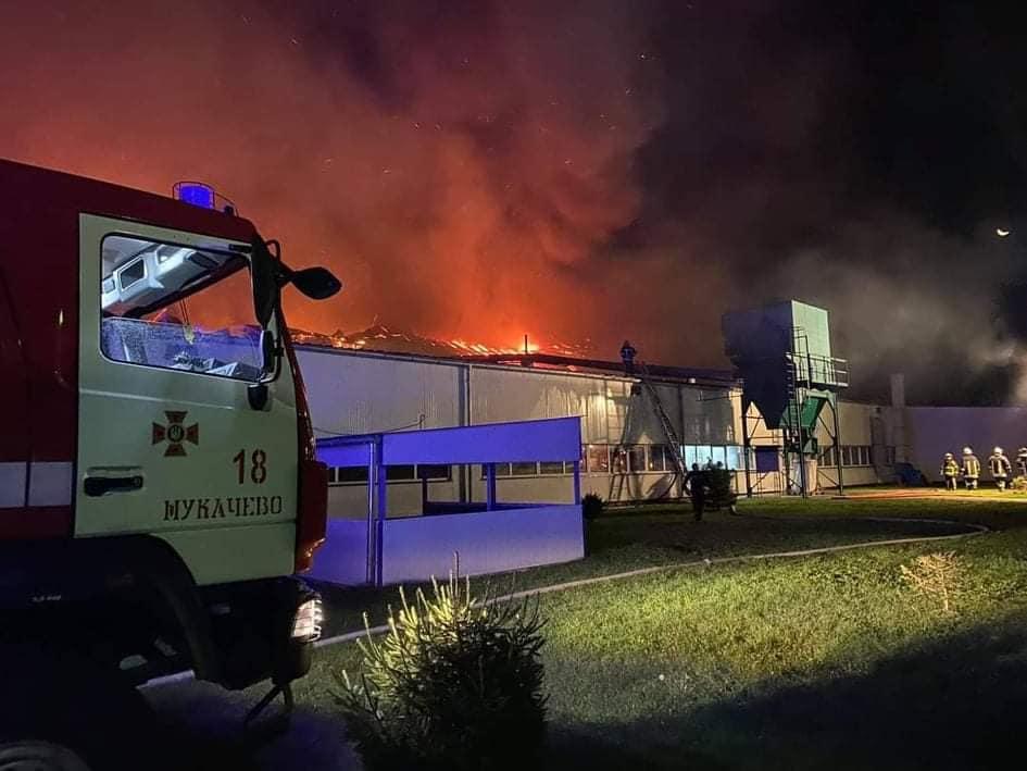 Як виглядає обгорілий склад після пожежі на лижній