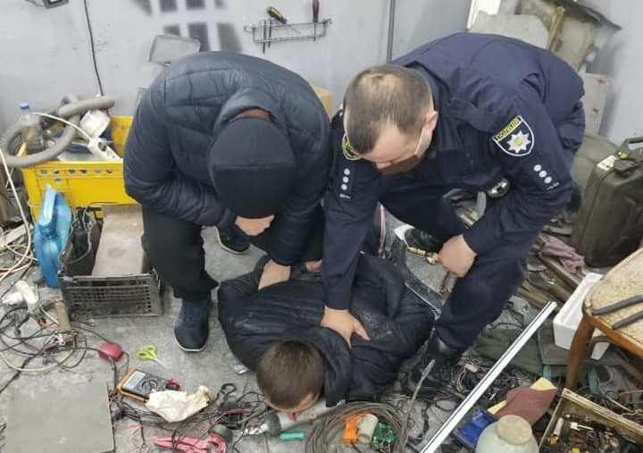 Поліцейські затримали збувача наркотиків