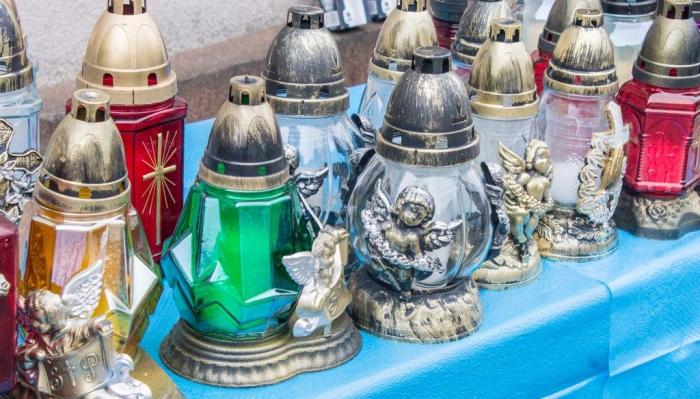 В Ужгороді визначили місця для тимчасової торгівлі до Дня вшанування пам'яті померлих