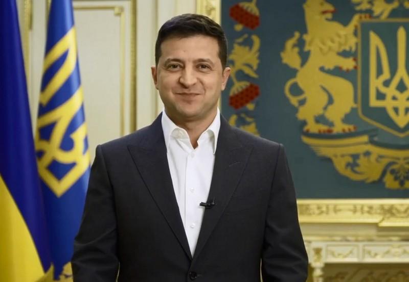 Всенародне опитування 25 жовтня: президент України Володимир Зеленський озвучив перше питання