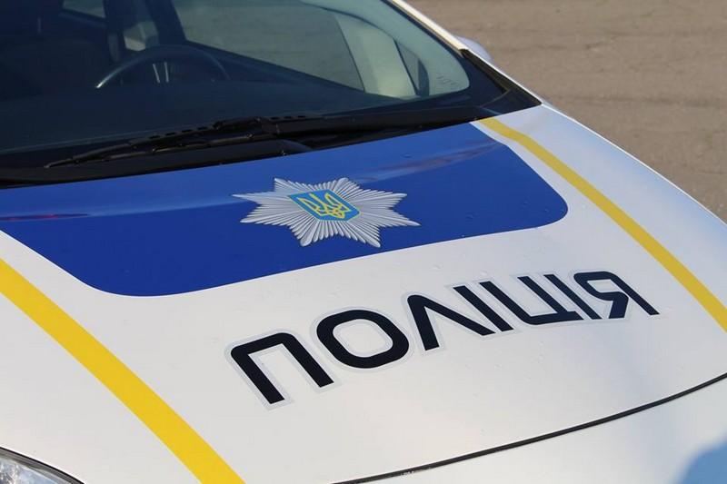 На Великоберезнянщині поліція затримала вантажівку з лісом