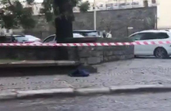 На площі Поштовій в Ужгороді виявили підозрілу сумку